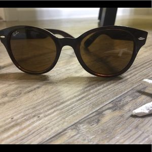 Ray-Ban Wayfarer brown Sunglasses